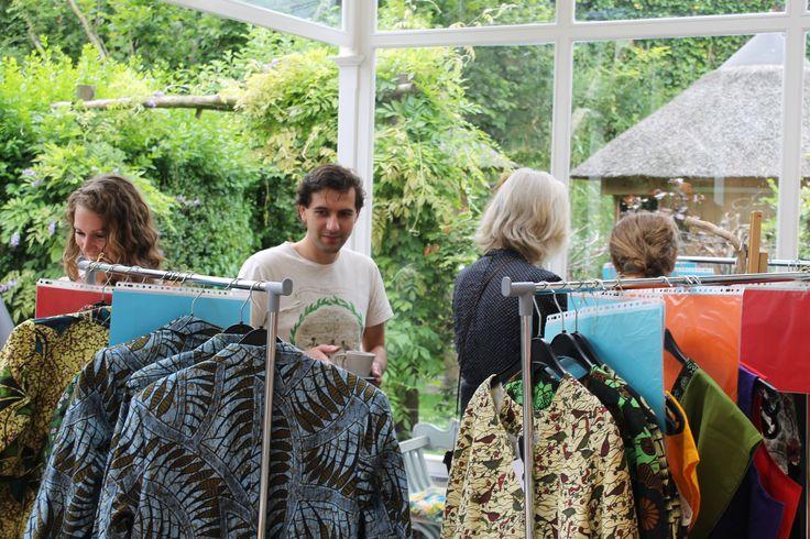 Het openingsfeest wat een groot succes! #duurzaam #fairtrade #kleding.  Bekijk onze kleding op www.thamanifashion.nl