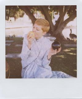 instant apple    (Michelle Williams)