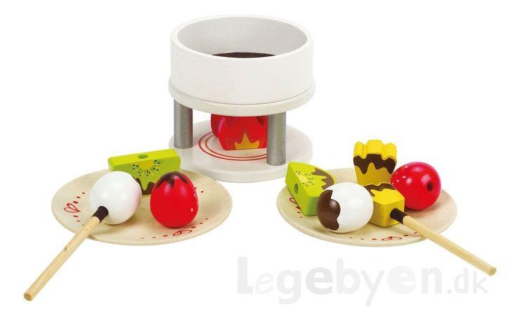 Køb Legemad - Chokoladefondue i træ fra Hape - 15 dele. online - Hape