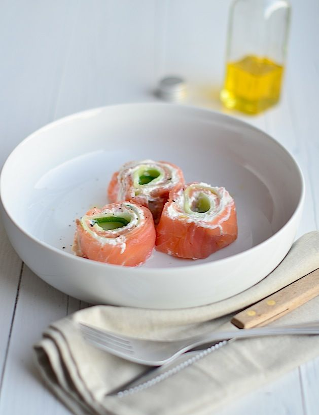 Voedselzandloper - zalmrolletjes met ricotta en komkommer