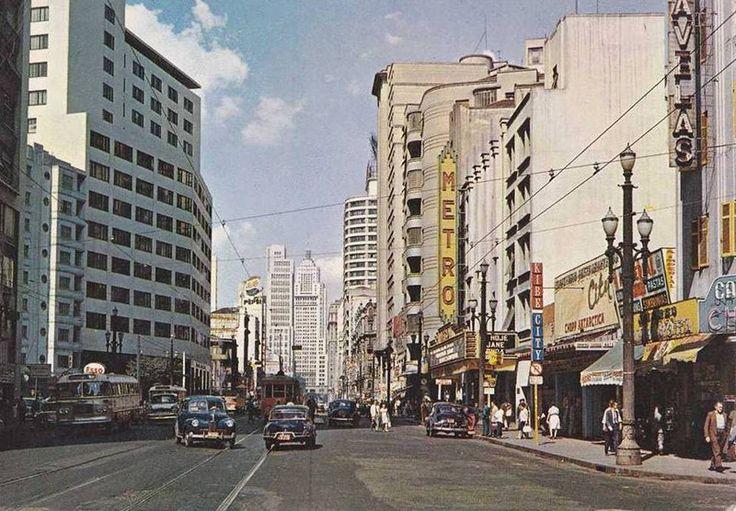 Cartão postal da avenida São João. (sem data)Douglas Nascimento / Via saopauloantiga.com.br 20 fotos lindas da cidade de São Paulo de 1924 a 1980