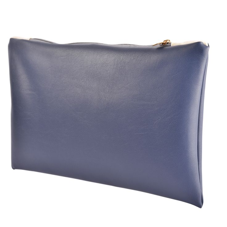 The Avion Seal è una pochette in ecopelle di altissima qualità, in colore avion e interamente prodotta a mano.  Acquista online i prodotti di Land and Sea su STORE.GRIFFALIA.COM | #bag #pochette #Cotton #Leather #madeinitaly #style #griffalia #fashion #eccellenzeitaliane