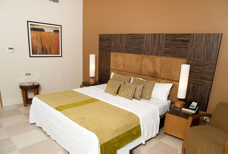 Island Inn accommodations - 23 bright and contemporary rooms