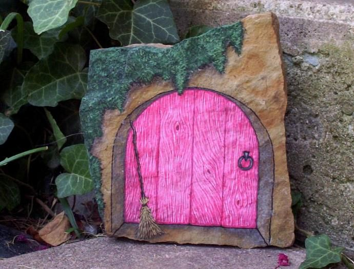68 best images about painted rocks on pinterest fairy for Painted fairy doors