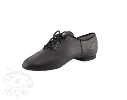 Zapatillas de jazz de cuero ligero y flexible de Capezio.Estas zapatillas tienen la suela partida y de ante.Favorecen los giros y saltos del bailarín de jazz.Sólo disponible en tallas grandes. ...