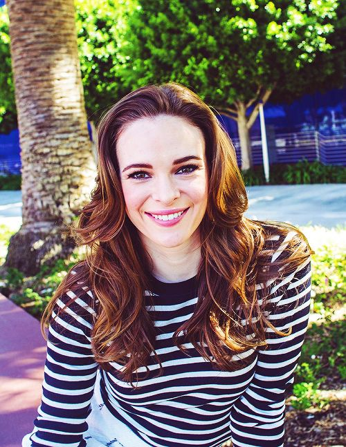 (FC:IIDanielle Panabaker) Hello, I'm Caitlyn Snow. I am a 6. I have one brother named Barry. I work all the time.