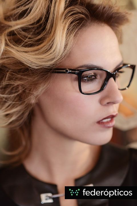 Gafa de pasta negra con detalle de metal #Susanazaldivar Colección 2014 #federopticos #glasses #tendencias #moda Leather black dress