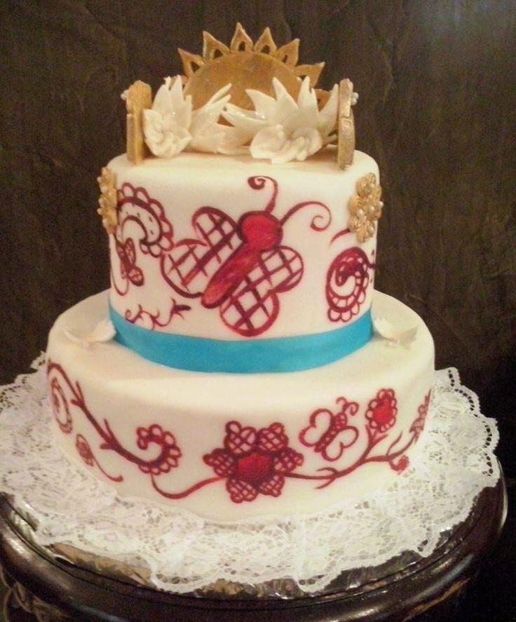 Cake de pollera  pintado a mano, peinetas y tembleques comestibles