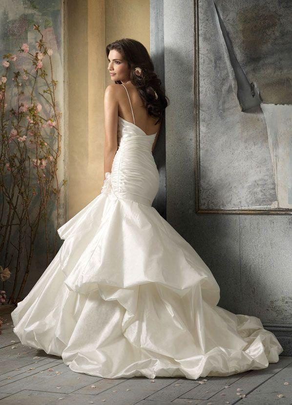 85 best Wedding dresses images on Pinterest   Wedding dressses ...