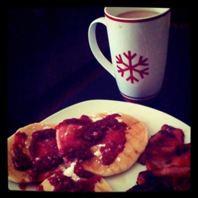 Pancakes with raspberry sauce and peameal bacon