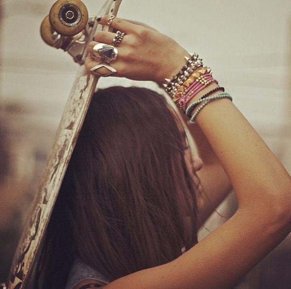 skater girl | skateboard | hippie | street | boho | freedom | bohemian | skating | awesome | rings on her fingers |  bracelets | profile shot
