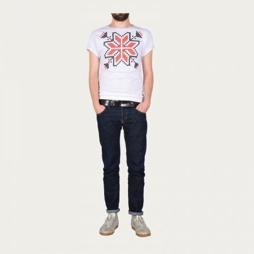 t shirt inspired by romanian folk patterns.
