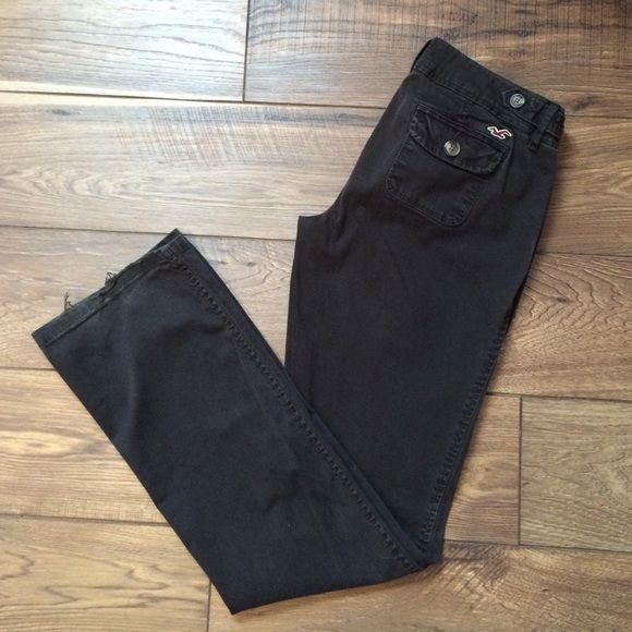 Brown Hollister trousers Dark brown pants from Hollister. Perfect for a business casual work environment. Pockets in back are functional. Some wear on bottom of hem. Hollister Pants Trousers