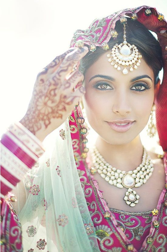 Bollywood Calling - Jewelry for the Indian Bride