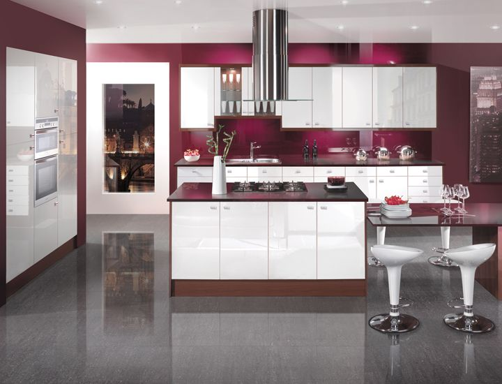 Image white kitchen still delivering in time for for Kitchen designs gloss