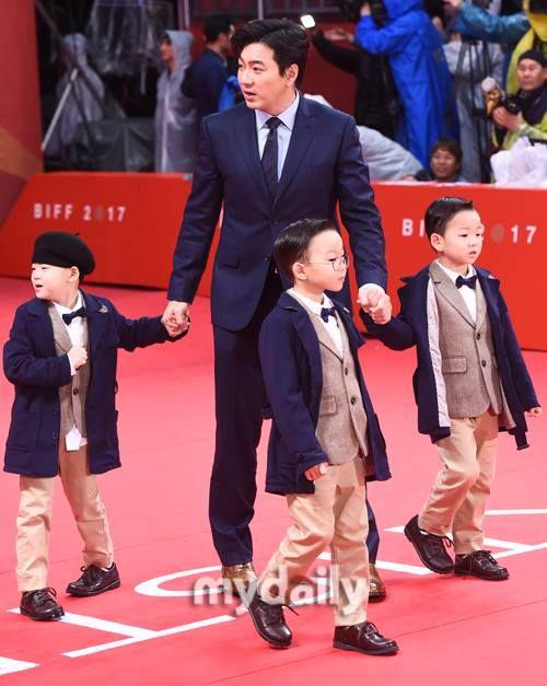 Daehan Minguk Manseh and Song Il Guk appa in Busan International film festival 2017