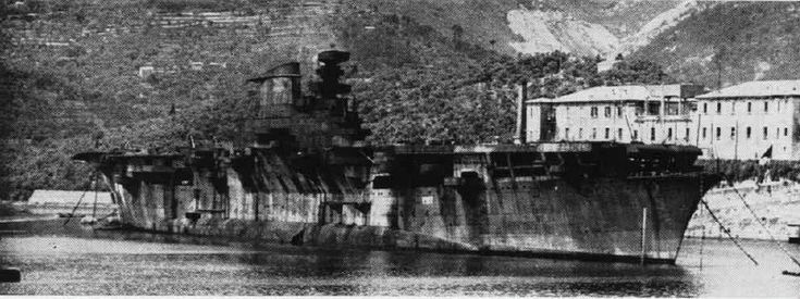 RMN Aquila a La Spezia, giugno 1951 Aircraft carrier - 23,500 tons Not completed Scrapped 1952