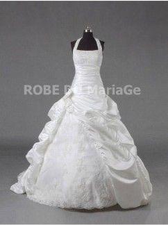 Robe de mariée princesse bretelles au cou appliques jupe ample ruches taffetas