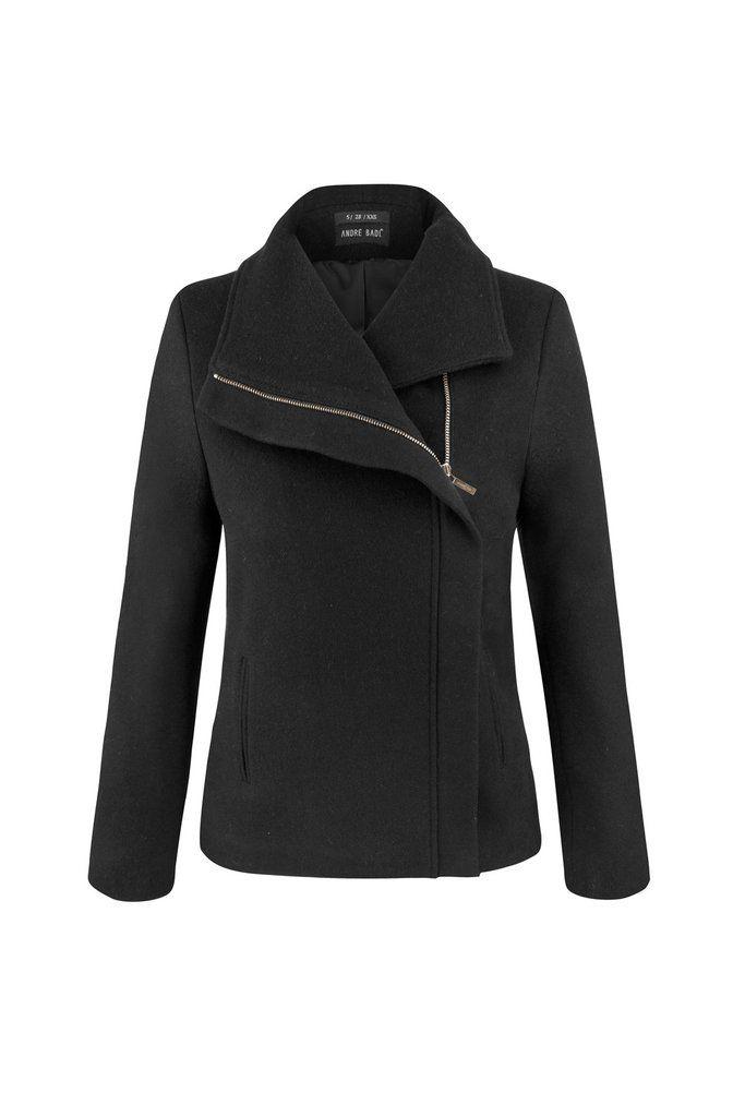 Abrigo corto de lana con cuello asimétrico, cierre metálico y bolsillos verticales. Otros colores:  Clave de compra:1-0198N305