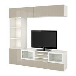 IKEA - BESTÅ, Combinazione TV/ante a vetro, guida cassetto/apertura a pressione, marrone-nero/Selsviken lucido/vetro trasparente beige, , Cassetti e ante sono dotati di apertura a pressione, così non hai bisogno di maniglie o pomelli: basta premere leggermente per aprirli.Puoi far funzionare i tuoi apparecchi elettronici senza aprire le ante, grazie al telecomando che funziona anche attraverso il vetro.I pensili salvaspazio ti permettono di sfruttare al meglio lo spazio sopra la TV.È facile…