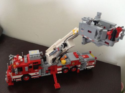Tower Ladder 18 - 2011 Seagrave Marauder II 75' Aerialscope: A LEGO® creation by Nick Warner : MOCpages.com