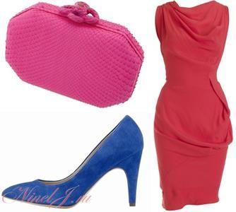 С розовым платьем синие туфли