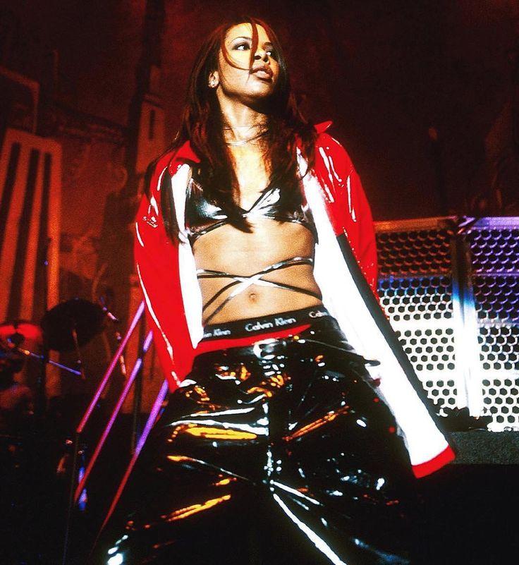 """I'm a total performer."" - #Aaliyah ���� ______________________________________________________ #music #tupac #rihanna #beyonce #chrisbrown #drake #justinbieber #arianagrande #selenagomez #queen #singer #vocals #hiphop #dancer #album #photographer #2pac #Aaliyah #djkhaled #restinpeace #rap #hiphop #edit #movie #mac #maccosmetics #lipstick #eyeliner #eyeshadow #makeup http://ameritrustshield.com/ipost/1547531780520495680/?code=BV57_SIjUpA"