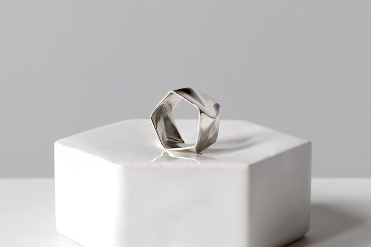 Flux #Jewelry #Product #Design #Sculpting by Daniel Kamp (New Zealand)