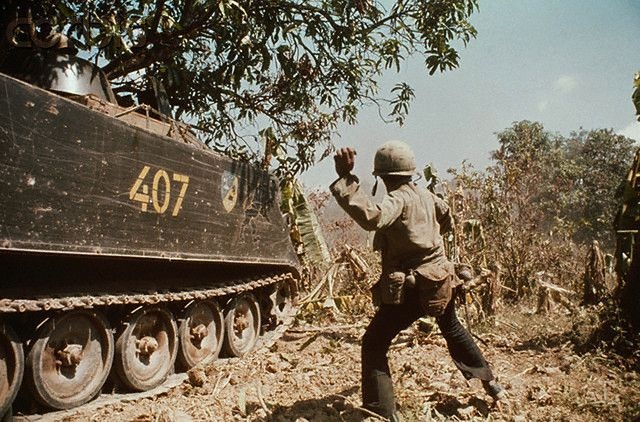 1974, #Cambodia | Government soldiers during combat. Since the Lon Nol coup in March 1970, two groups fought for control of Cambodia - the Khmer National Armed Forces (FANK), supported by the USA, and the Army of the Republic of Vietnam (ARVN), pitted against the Cambodian People's National Liberation Armed Forces (composed of Maoist nationalists and Khmer Rouge communists), supported by North Vietnam and the Vietcong. | © Patrick Chauvel/Sygma/Corbis