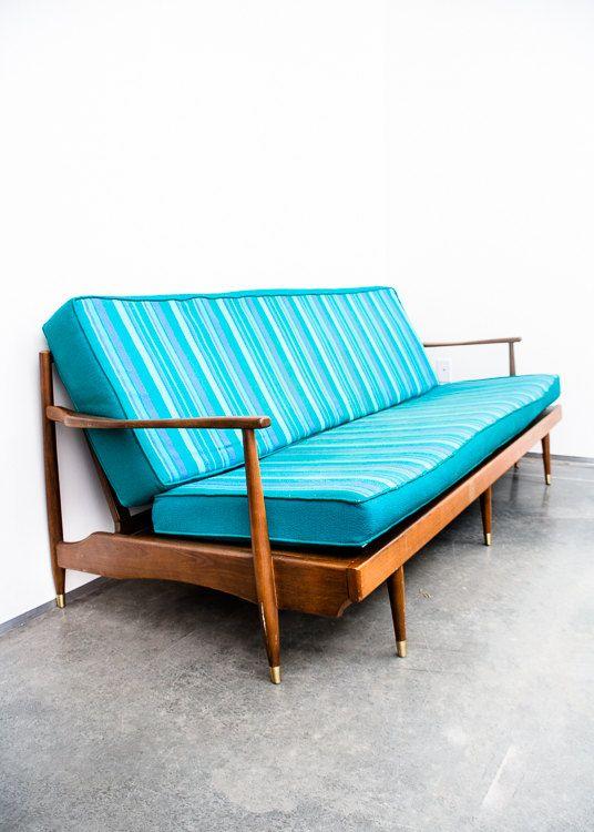 Milieu du siècle moderne canapé danois par MidCenturySacramento