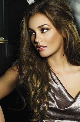 So beautiful Leighton Meester -- pretty makeup