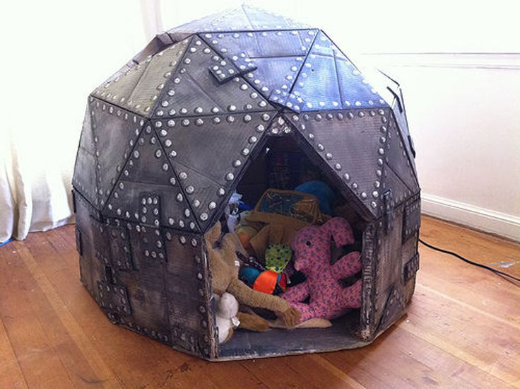 Wow, this is quite a cardboard play fort. My son would LOVE this...  cardboard-play-dome-03