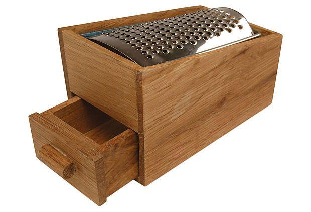 SCANDINAVIAN TABLE & KITCHEN Oak Cheese Grater w/ Drawer $16.00 jun 19-25