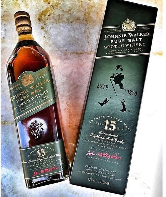 Johnnie Walker Green Label 15 Year Old Blended Malt Whisky #malt #whisky #mocchaccino #espresso #woodsmoke #oak #chocolate #walnut #spicy #honey