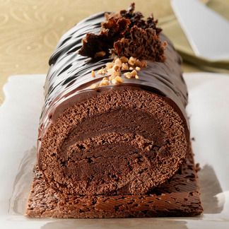 Bûche chocolatée croustillante...Looks like chocolate cake..YUM!