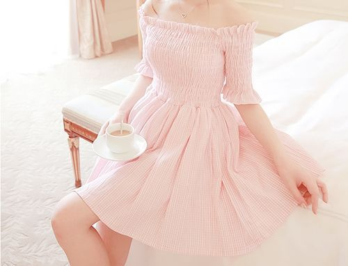 Imagem de pink, dress, and girl