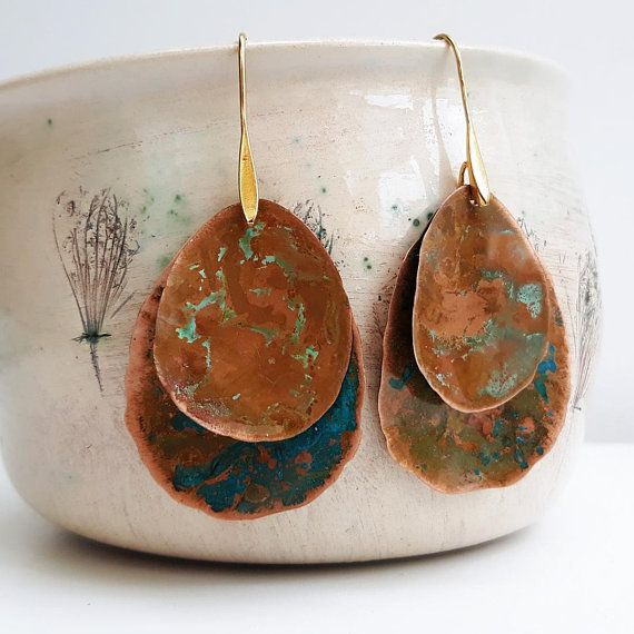 Jacarandá double earrings / Hammered oxidized copper, gold plated hooks