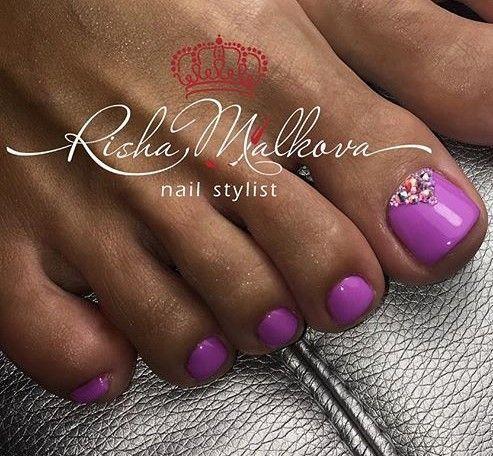 Purple-Rhinestone Toe Nail Art