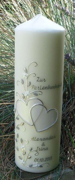 Romantische Hochzeitskerze Perlenherzen  von kerzendeele-lathen auf DaWanda.com