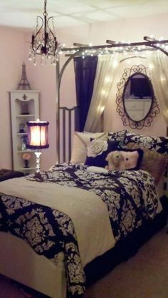 Gorgeous black&white/light pink Paris bedroom; perfect for teens and older re: for color reference only