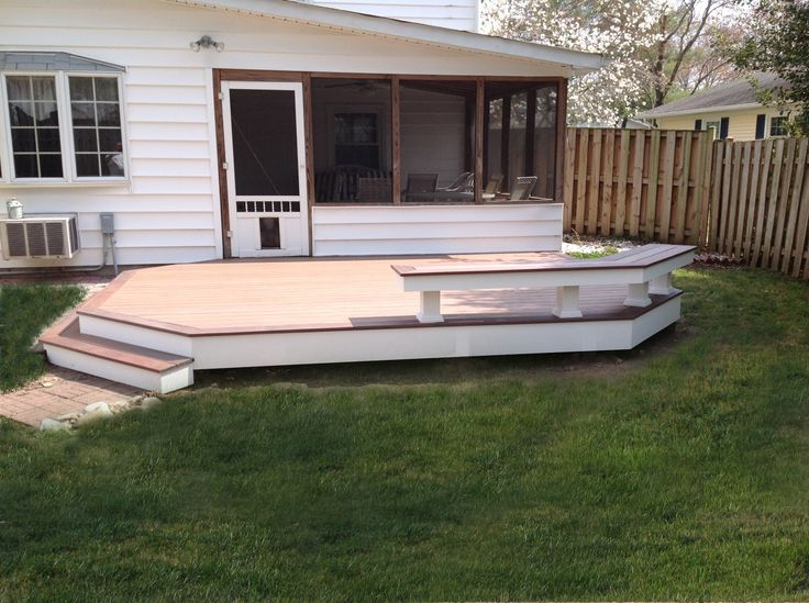 Vinyl Patio Deck Using @wolfbuilding PVC Decking With Amberwood Flooring  And Rosewood Border.