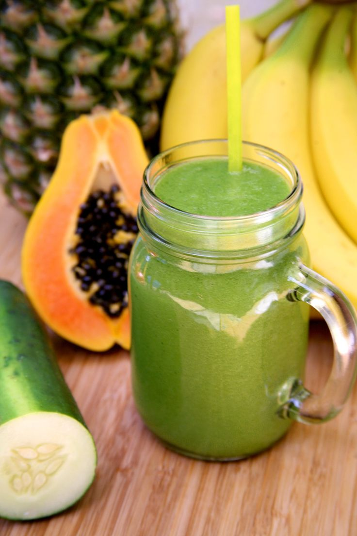 Go Tropical With Our Debloating Smoothie — Under 250 Calories, Too! 1/2 cup pineapple 1/2 cup papaya 1 frozen banana 1/4 cucumber (with skin) 1 cup chilled coconut water (or 4 coconut water ice cubes and 1/2 cup chilled coconut water) 2 cups spinach 4 ice cubes