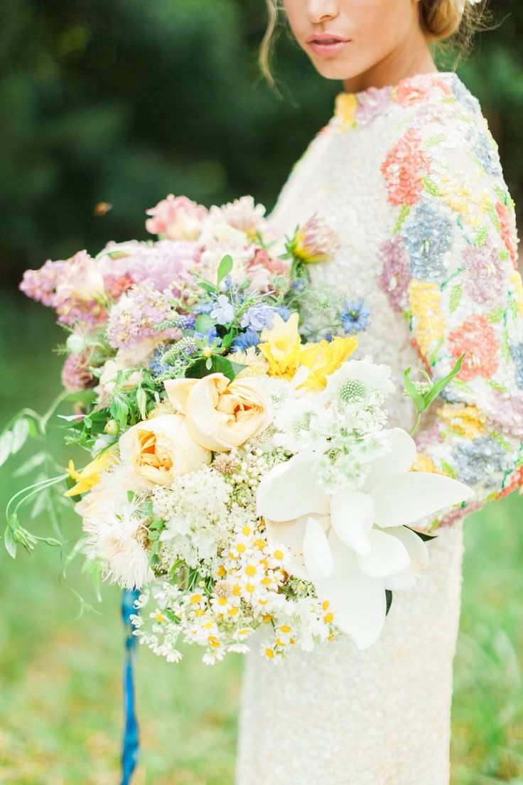 Beautiful pastel bridal bouquet | Haley Sheffield | www.haleysheffield.com