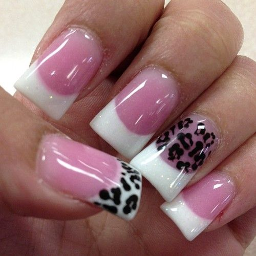 I don't like the pink (is that an American manicure?) but this would be cute on a french manicure!