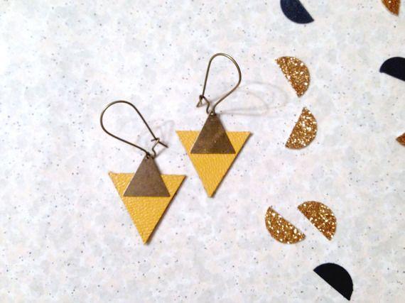 Boucles d'oreilles triangles cuir jaune