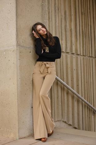 Lionel Turtleneck + Suiting Cavilleri Pant: Black and Camel combination.