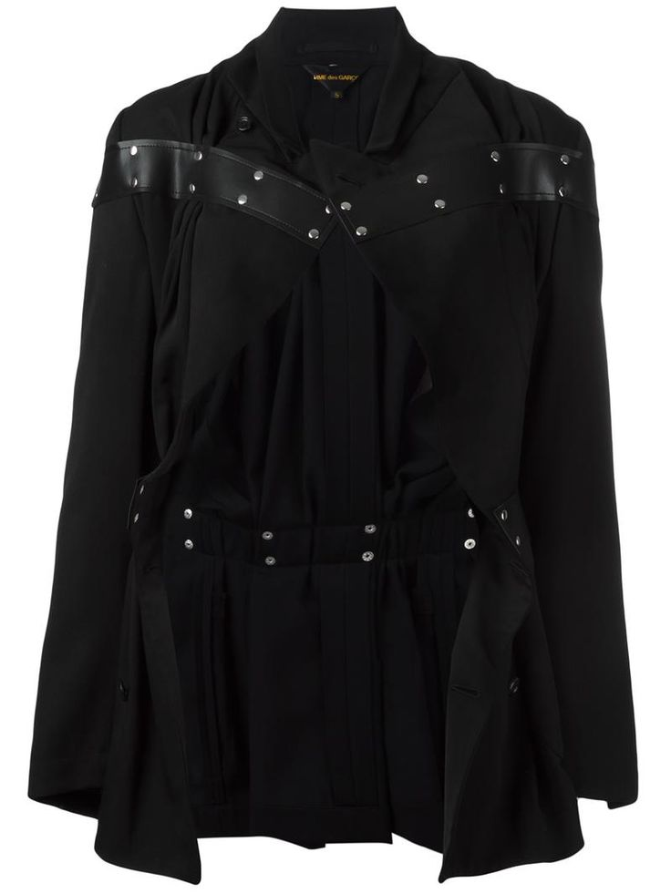 ¡Cómpralo ya!. Comme Des Garçons - Studded Detailing Fitted Jacket - Women - Cupro/Wool/Artificial Leather - M. Black wool and artificial leather studded detailing fitted jacket from Comme Des Garçons. Size: M. Gender: Female. Material: Cupro/Wool/Artificial Leather. , chaquetadecuero, polipiel, biker, ante, antelina, chupa, decuero, leather, suede, suedette, fauxleather, chaquetadecuero, lederjacke, chaquetadecuero, vesteencuir, giaccaincuio, piel. Chaqueta de cuero  de mujer   de COMME ...