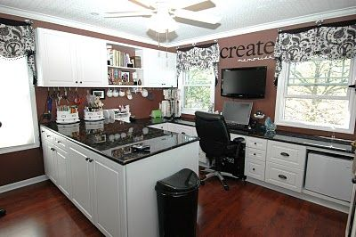 Now this is what my craft room should look like.........oh Geno - can you make it for me?