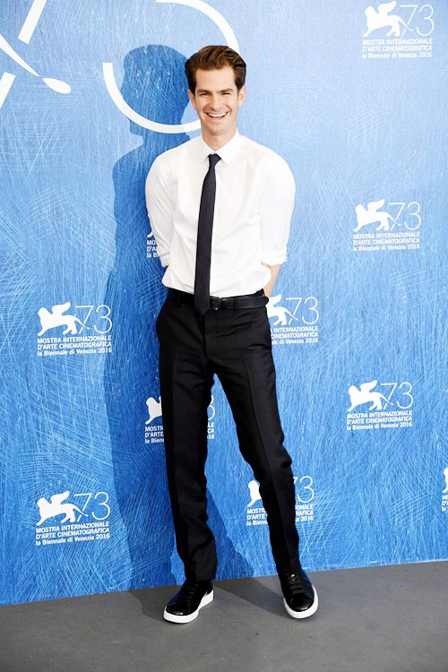 Andrew Garfield attends a photocall for 'Hacksaw Ridge' during the 73rd Venice Film Festival | Sept.4, 2016