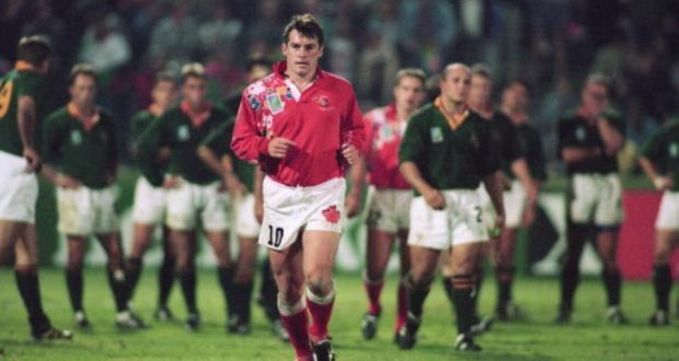 Canada captain Gareth Rees trudges off after being shown a red card during Canada's 20-0 loss to South Africa at the 1995 World Cup. Photograph: Getty